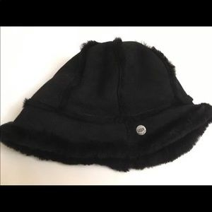 UGG shearling bucket hat